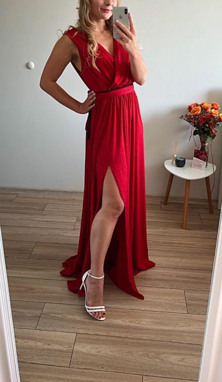 czerwona długa sukienka duże rozmiary świecąca brokat z rozcięciem